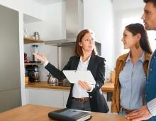 Pourquoi est-il préférable d'être en couple pour emprunter?