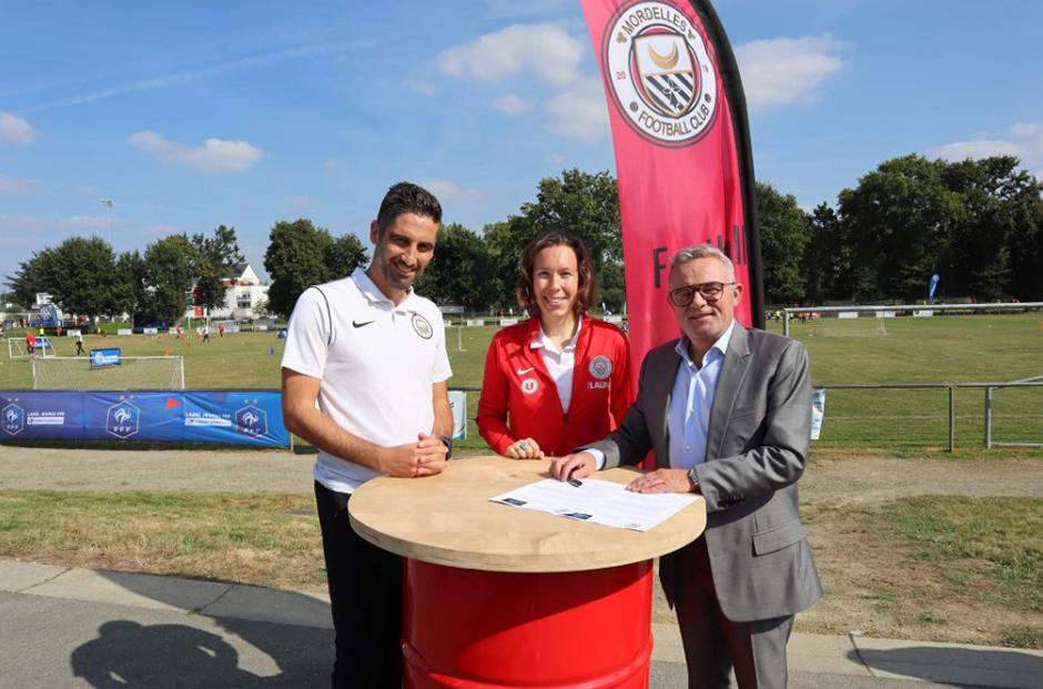 signature partenariat FC Mordelles