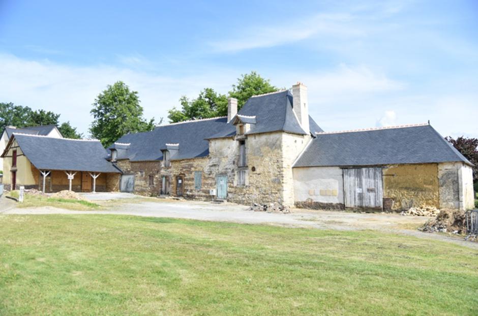Le Groupe LAUNAY poursuit son engagement pour la restauration de la ferme-manoir de la Marionnais à Chartres-de-Bretagne !