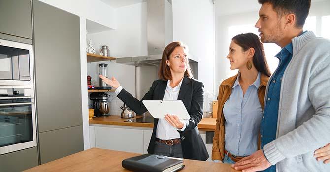 Pourquoi est-il préférable d'être en couple pour emprunter ? - Groupe Launay